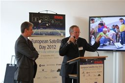 Claus Sorensen, Director General, DG ECHO, connects live via satellite to a TSF project on the Syrian border